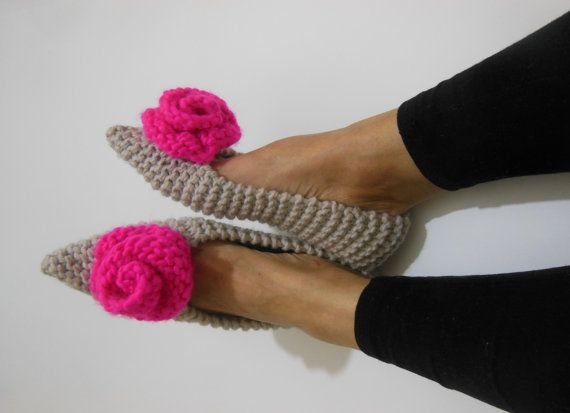 Pointed Toe Wool Ivory slippers - Neon Pink Roses - Womens slippers - NON SLIP - Gift Wrapping - Ballet flats - Home shoes - Ready to Ship  The slippers are made with a bulky high quality 25 % wool and 75% acrylic yarn, making them nice and cozy, incredibly comfy and soft, durable and easily washing. Slippers are intended to be used indoors and fit like shoes. * THE SOLES are treated with a non-toxic RUBBER COATING for durability which makes them nonslippery. The coating is nearly colorless…