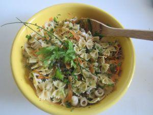 Italian pasta salad recipe with vegetables, herbs and squid - http://easyitaliancuisine.com/italian-pasta-salad-recipe-with-vegetables-and-squid-post/
