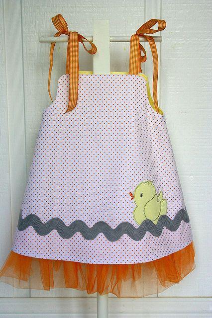 Reverse side of rubber duck Tutu dress | Flickr: Intercambio de fotos