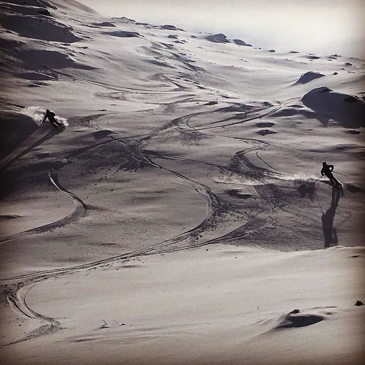 Sensational Australian Cream  @mcdonaldamy  #JindyJoy #Jindabyne #DestinationJindabyne #ForTheLoveOfJindabyne #LakeJindabyne #LoveJindy #LoveTheMountains #SummersGone #WinterIsHere #NatureGirl #MobileNomad #MountainLove #SeeAustralia #VisitJindabyne #VisitNSW  #SnowyMountainsNSW #SeeNSW #MyLifeMyAdventure #WorkFromAnywhere #TourismNSW #LoveWinter