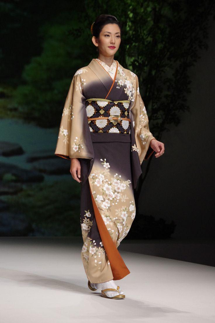 Yukiko Hanai Spring Summer Collection 2012 _The Traditional Kimono