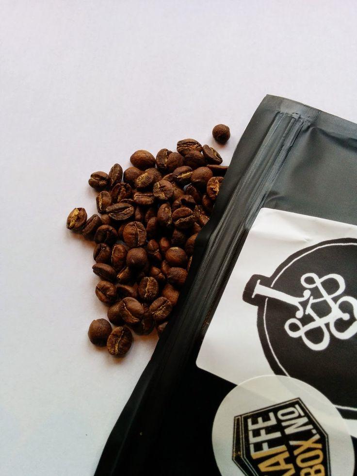 Minitest: Rwanda Mahembe fra Jacobsen & Svart Kaffebrenneri ... www.kaffefryd.no1200 × 1600Søk med bilde Kaffe fra Jacobsen & Svart er nydelig. Kaffe fra Kaffebox.no er en glede å motta. Mahembe kombinerer alt dette i en liten kopp.