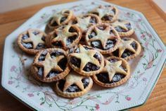 CRANBERRY MINCEMEAT Adapted from Nigella Lawson's Star-Topped Cranberry Mince Pies (No Alcohol)