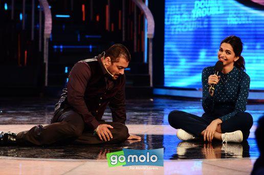 Salman Khan & Deepika Padukone at the Promotion of Hindi movie 'Tamasha' on the sets of 'Bigg Boss 9' in Mumbai