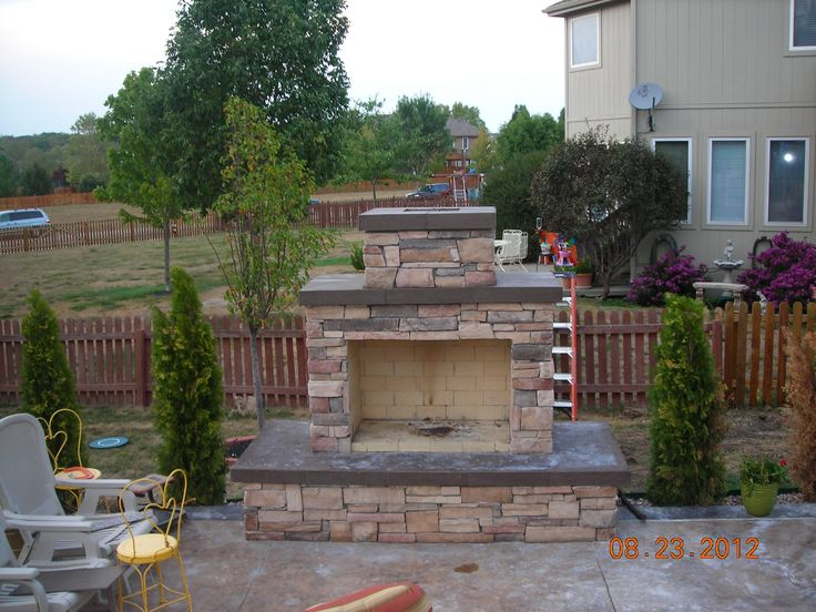 Gorgeous Pima II DIY outdoor fireplace built by a homeowner. #outdoorfireplace #outdoorliving #fireplace #diy #outdoorcooking #masonry #outdoor #backyardflare #backyardideas #landscape