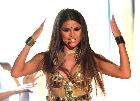 selena gomez girl power | Selena Gomez in stile indiano