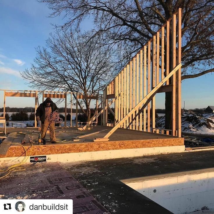 A cold day but check out what @danbuildsit was able to accomplish.  That rake wall is just under 20' tall! #framer #framing #framerlife #construction #constructionworker #constructionlife #carpenter #carpentry #carpenterlife #renovate #renovation #addition #craftsman #craft #craftsmanculture #KeepCraftAlive #finehomebuilding #house #home #builder #skill #powertools #zillow #hgtv #houzz #winter #fixerupper #dreamhome