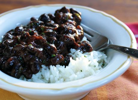 Black beans and rice - Dried beans cooked in the slow cooker with sofrito come out perfect, with very little effort (no soaking!). Delicious, filling family meal #vegan #glutenfree