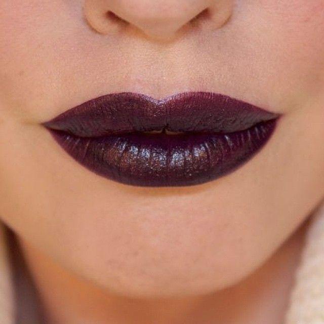 MAC Cyber Lipstick + MAC Currant Lipliner