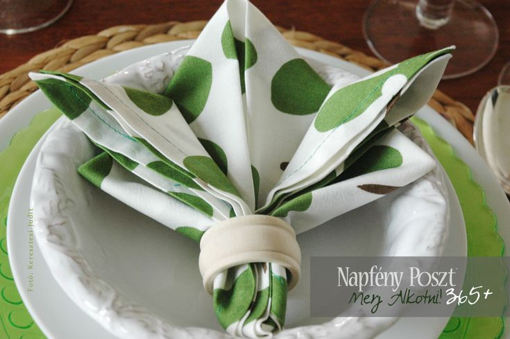 Day 131: Lily napkin