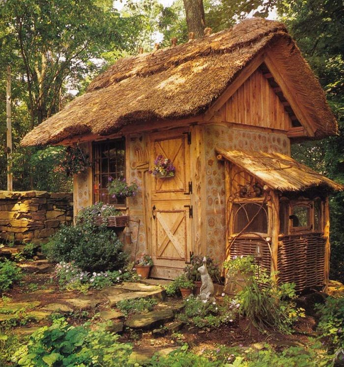 Sort of Hobbit-esq x)Rabbit Hutch, Tiny House, Little House, Chicken Coops, Little Gardens, Pots Sheds, Fairyte House, Gardens Sheds, Fairies Tales