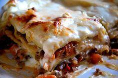Cómo hacer lasaña de espinacas y salsa boloñesa, con receta.