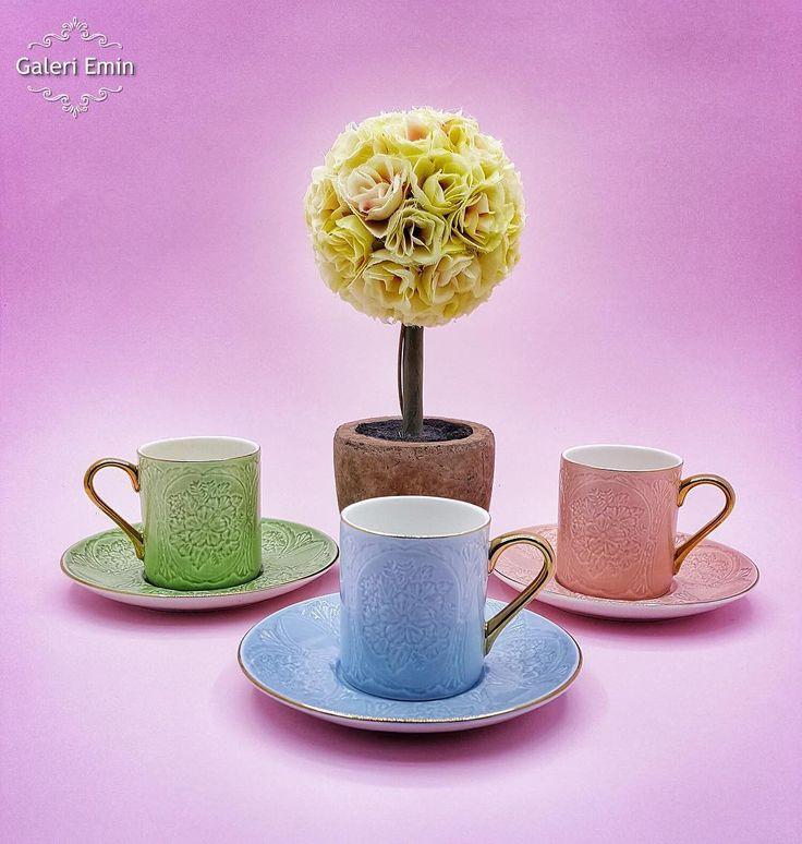 En güzel mutfak paylaşımları için kanalımıza abone olunuz. http://www.kadinika.com Yeni kabartmalı kahve fincanımız stoklarımızda 6'lı (3 renk asorti) 129.00 ----- Kapıda ödeme fırsatı WhatsApp 0530 025 50 55 ----- #izmir #bornova #sunum #sunumönemlidir #mutfak #mutfakgram #kahve #kahvekeyfi #coffee #pembe #mavi #yeşil #züccaciye #alışveriş #evimiçinherşeyburada