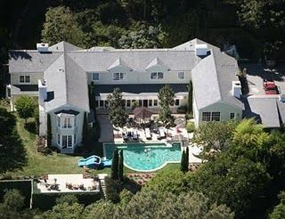 The villa of Salma Hayek and French billionaire Henri ...