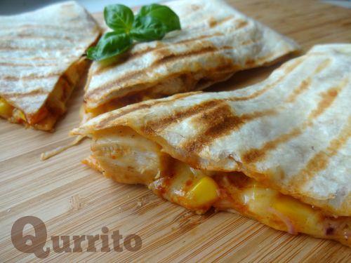 Qurrito czyli Quesadilla z kurczakiem, serem i kukurydzą