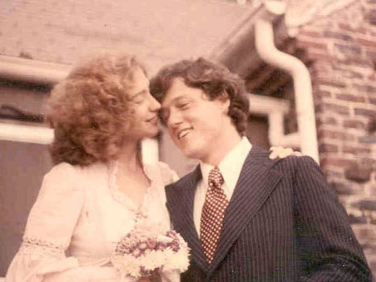 20 Photos Of Young Bill & Hillary Clinton | Liberal Lovebirds