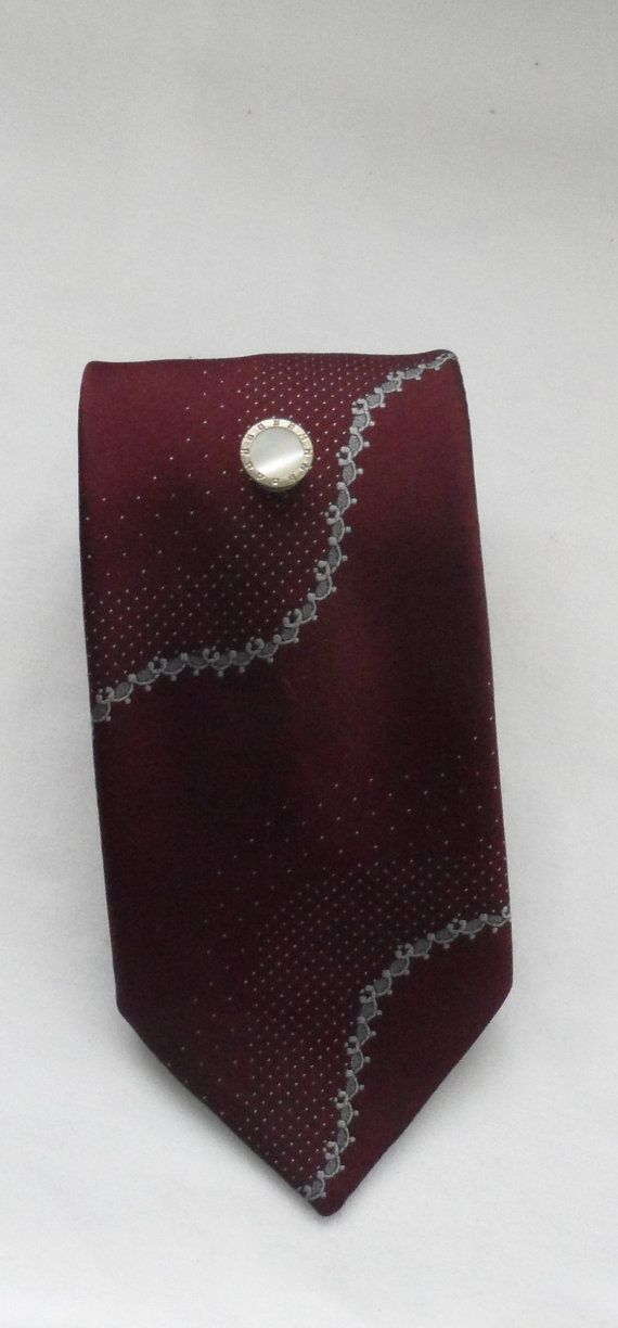 Vintage 1970s Power Dress Tie for Men/Rich Port by socialtyes