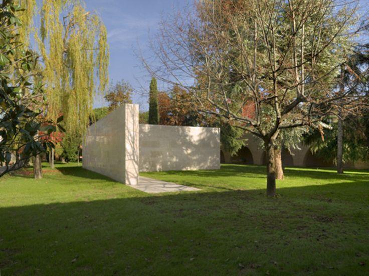 Muro della Memoria all'interno del Monastero di clausura di S. Gemma Galgani