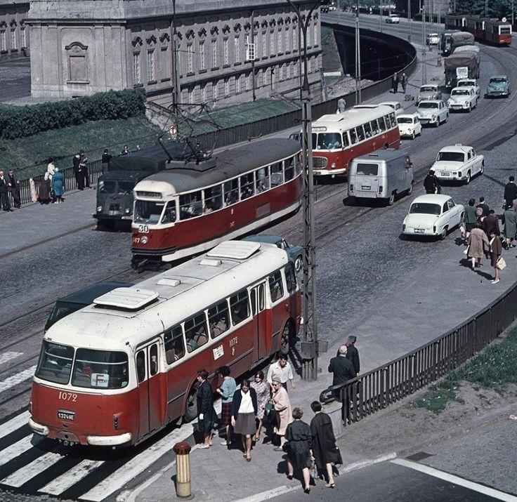 fot. 1967r. Grażyna Rutowska, źr. omni-bus.eu, zdjęcie jest własnością Narodowego Archiwum Cyfrowego.