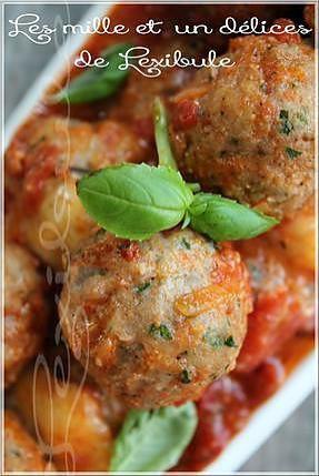 La meilleure recette de ~Boulettes de veau, sauce aux tomates braisées~! L'essayer, c'est l'adopter! 5.0/5 (1 vote), 3 Commentaires. Ingrédients: ~Ingrédients garniture ( pour la toute fin) 200 g (7 oz) de mozzarella fraîche, coupée en tranches (moi bocconcini car j'en avais beaucoup) De 6 à 8 feuilles de basilic ~Ingrédients des boulettes 200g (7 oz) de veau haché 120 g (1 tasse) de mozzarella râpée (moi, écrémé) 60 ml (1/4 tasse) de chapelure à l'italienne 1 oeuf 45 ml (3 c. à soupe) de…