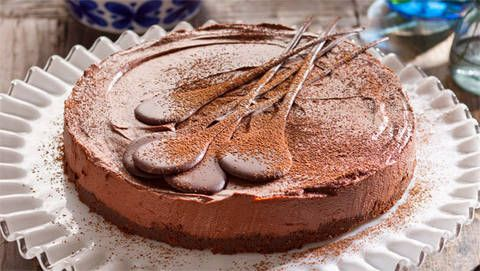 Easy no-bake chocolate cheesecake: Bring a great big smile to Mum's face with this luscious, chocolatey-everything delight. No cooking required!