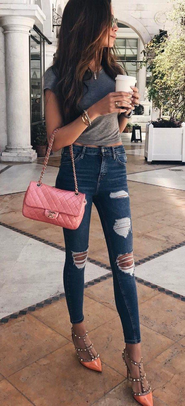 ootd tee + bag rips + heels