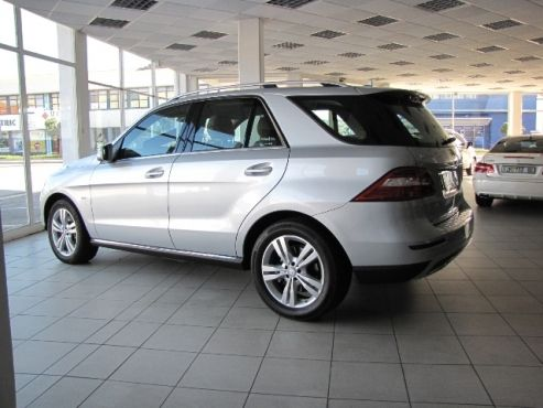Junk Mail - Your King of Local Classifieds2012 Merc ML350 BE A/T (4Matic – AWD)   •49 546 kms  •R 579 900-00 (Was R 589 900) •Command On-Line NAVIGATION •Mist Sensor •PDC Front and Rear with reverse Camera  •3.5L Petrol  •ALL WHEEL DRIVE •190 kW •VPS •Alloy Wheels •Xenon Headlights •Roof Rails •Cream Leather seats  •Steering Controls  •Lumber Support  •Electric adjustable Front seats with memory •Paddle(steering-shift) Controls •Cruise Control  •Blue-Tooth  •USB  •Blind…