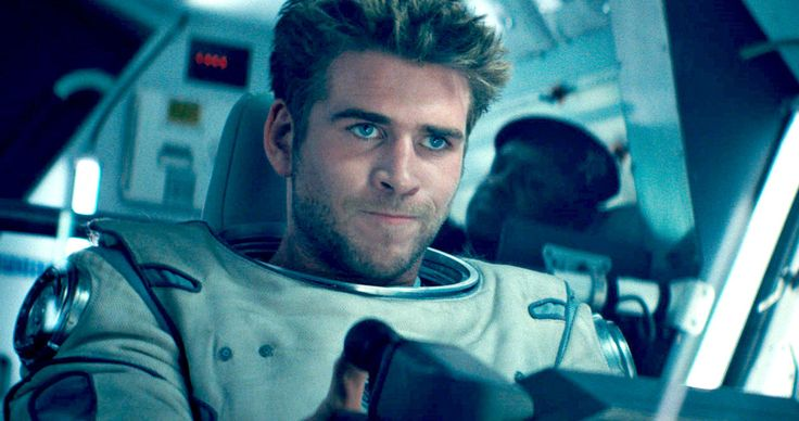 'Independence Day: Resurgence' Super Bowl Commercial Brings Epic Destruction -- Jeff Goldblum and Bill Pullman lead a cast of new and returning stars in the Super Bowl trailer for 'Independence Day: Resurgence'. -- http://movieweb.com/independence-day-2-resurgence-trailer-super-bowl-commercial/