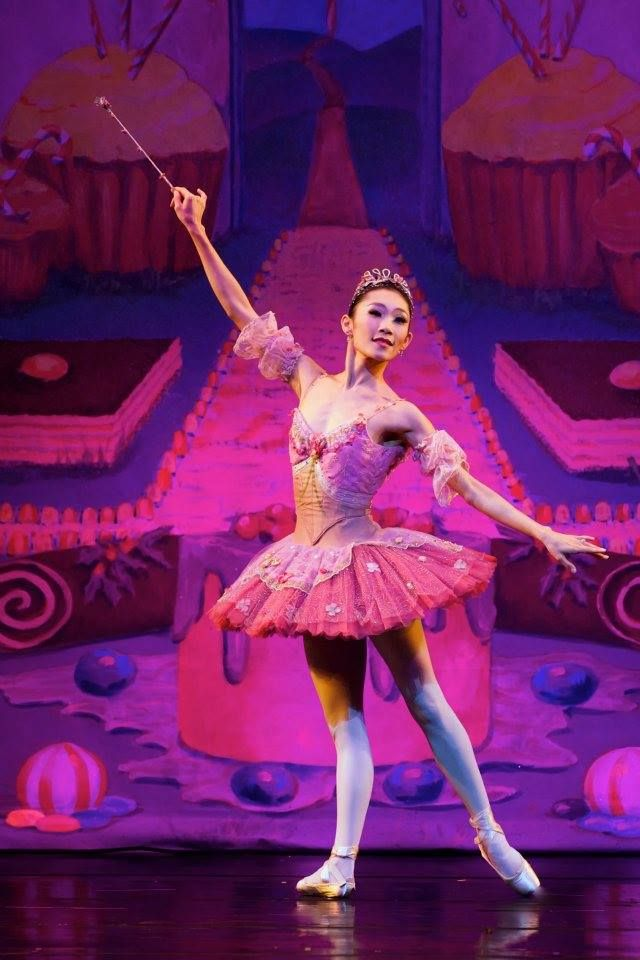 Margaret Severin-Hansen as the Sugarplum Fairy in Carolina Ballet's Nutcracker