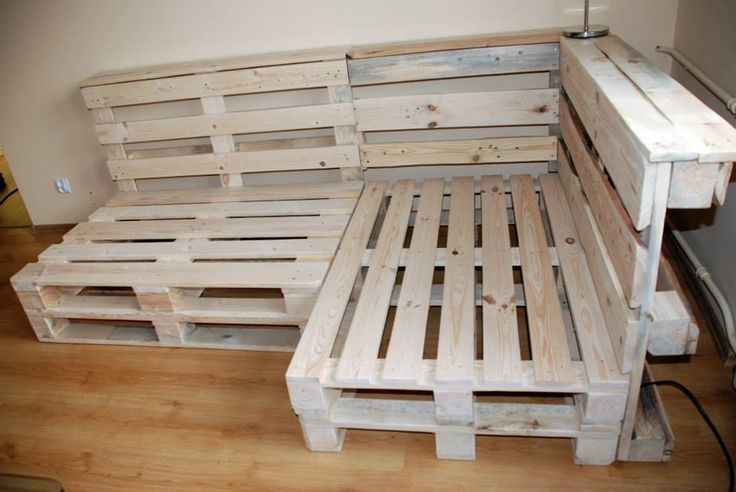 Pallet Sectional Sofa | DIY and Crafts