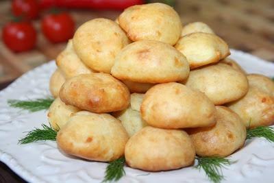 http://miremirc.blogspot.ro/2011/02/gogosele-cu-cascaval_14.html