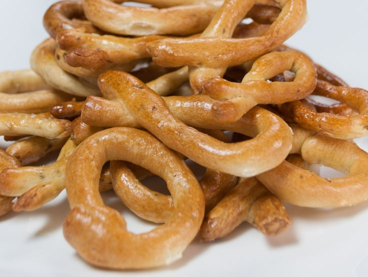 Think of these as crunchy little pretzel bites or mini Italian bagels. Dunk these taralli into red wine—Italian, of course—as you relax on the patio with friends. You can also shape these into little bows. They keep for weeks, so think about making an extra batch. Makes 2 dozen taralli Ingredients 2 1/2 teaspoons (12.5 mL) fennel seeds, divided 2 1/2 teaspoons (12.5 mL) …
