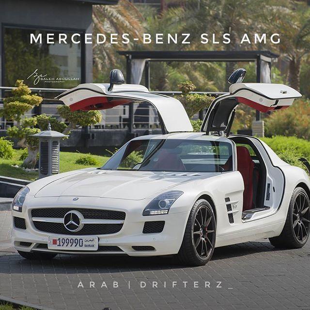 Mercedes-Benz SLS AMG❤ Owner: @amber_wavez Photo: @salehnikon #mercedes #benz #sls #amg #slsamg #mb #mercedesbenzslsamg #mercedesbahrain #mercedesbenzbahrain #bahrain #bahraincars #bahrainluxury #bahrainlifestyle #ksadrifterz #ksadrifterz_ #arabdrifterz_ #kingdomofbahrain Kingdom of Bahrain 🇧🇭