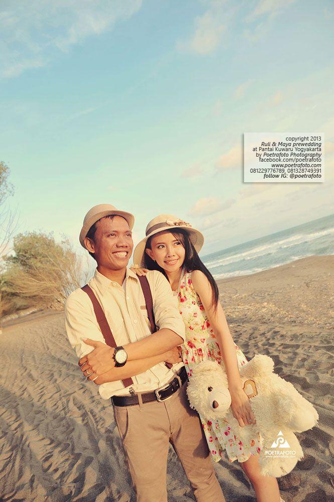 17 Foto Prewedding Romantis Unik Lucu Dg Boneka Di Pantai Jogja Prewed Ruli Maya Fotografer Di Pantai Pantai