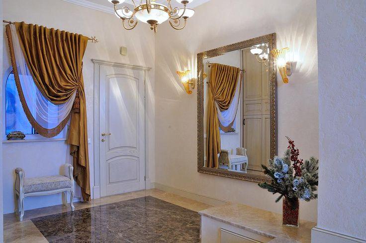 Дизайн загородного дома, дизайн спальни, классический стиль, дизайн интерьера, бордовая спальня, красный в интерьере, кровати, диваны, шторы, ковры, кухня, лестница, роспись, натуральный камень, мрамор, камин.