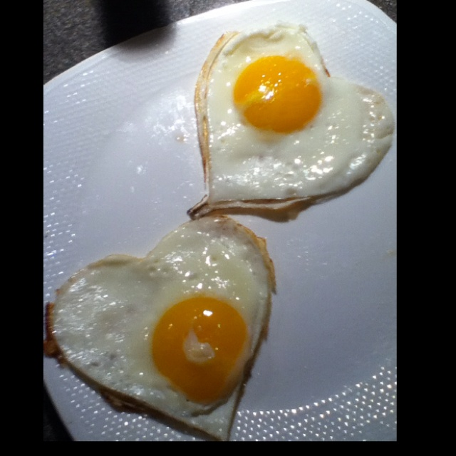 Heart SunnySide Up Eggs! I made them this morning for Valentines Day!: Valentine'S Day, Eggs, Valentines Day, Heart Sunnysid, I'M, Mornings