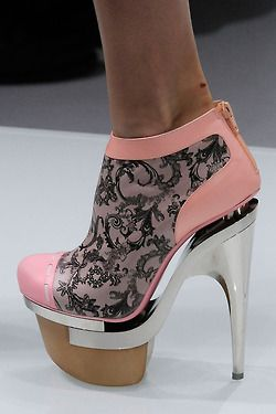 I think these are cute. Would I ever wear them? Nooooope.