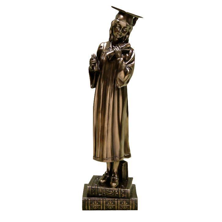 Diplomás lány szobor ~ Ez a bronz színű műgyanta (polyresin) szobor egyedi ajándék lányoknak diplomaosztóra, ballagásra. #diplomaosztó