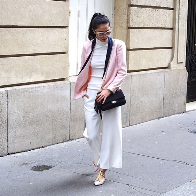 NEW LOOK up on the blog today (link in my bio) 💖🌸// Nouvel article sur le blog (lien dans ma bio) 💖🌸 #thedeetsone #blogger #outfit #style #spring #fashionblogger #look #ootd #lookoftheday #white #pink #valentino #rockstud #chanel #pimkie #sunglasses #zara #motd #mood #instagood #paris
