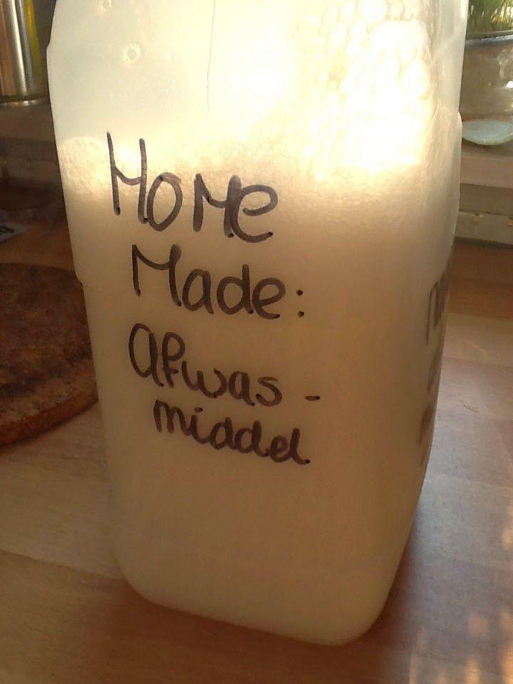 Afwasmiddel stond op het 'logische lijstje' van te maken schoonmaakproducten. Leek me makkelijk om te maken aangezien het erg lijkt o...