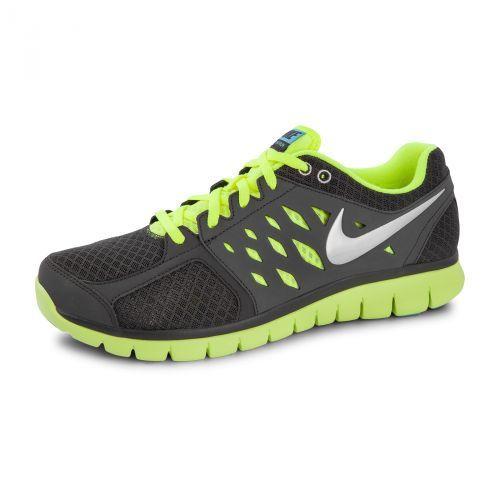 De Nike Flex is een hardloopschoen voor heren. De phylite tussenzool zorgt  voor een goede