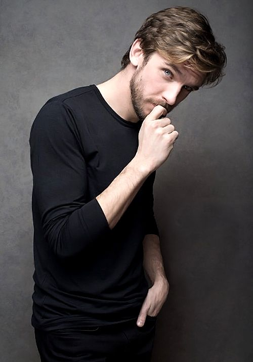 Dan Stevens, so good looking it hurts ;-) YOW! He'll be playing Prince Adam aka Beast in the live action Beauty and the Beast.