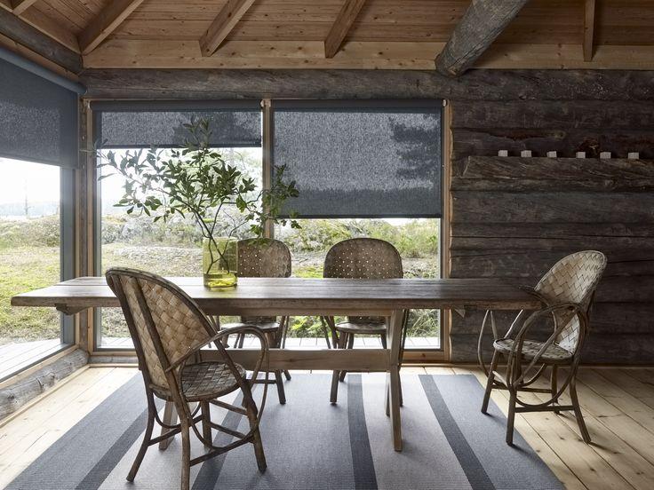 Woodnotes Bridge paper yarn carpet. Finnish cottage. Summer house. Interior design. Interior decoration. Peaceful. Cozy. Archipelago.