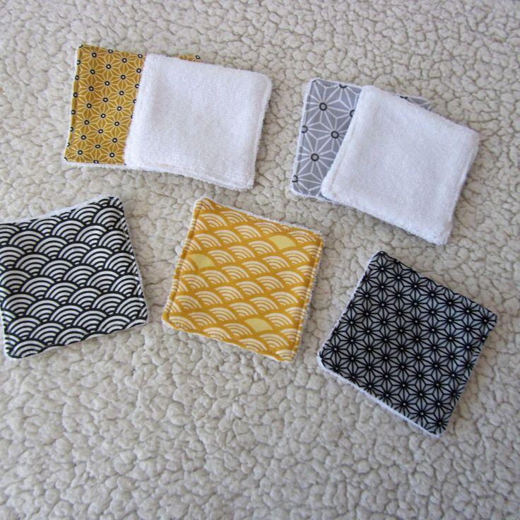 7 lingettes démaquillantes lavables en éponge blanche  et tissus japonais asanoha et seigaiha jaune gris et blanc