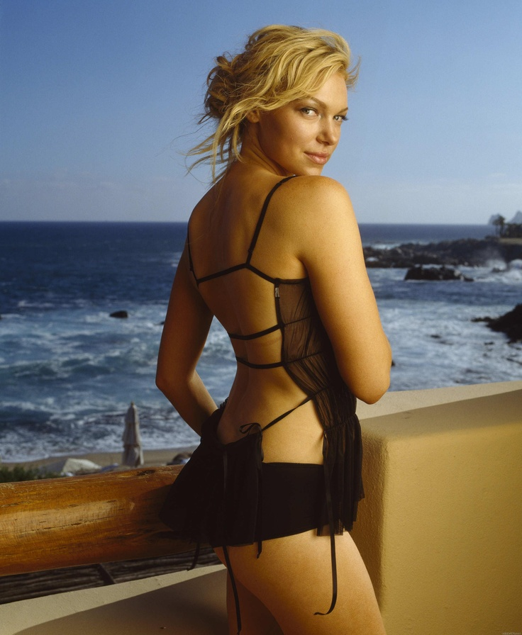 15 Best Images About Laura Prepon On Pinterest