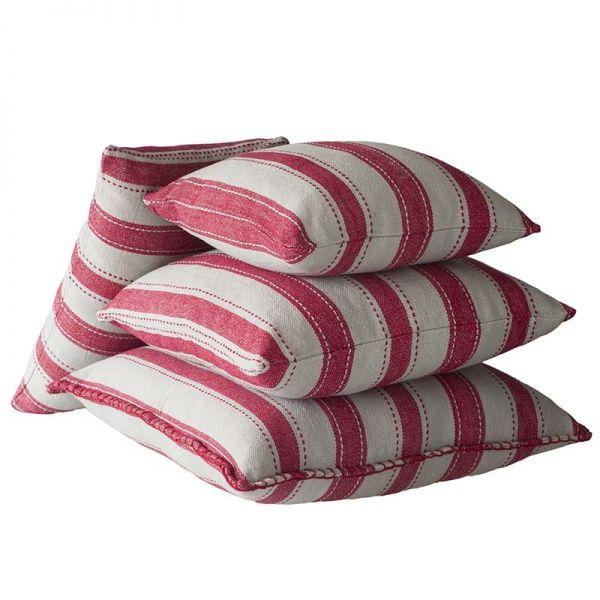 Riihiraita tyynynpäälliset, punaiset