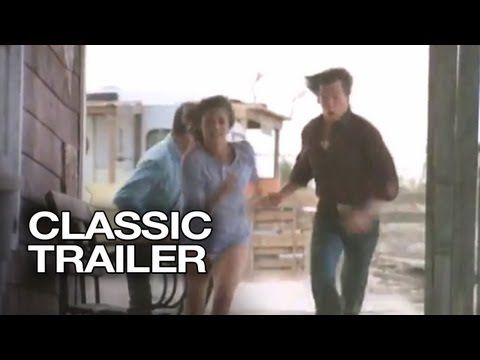 ▶ Tremors Official Trailer #1 - Kevin Bacon Movie (1990) HD - YouTube