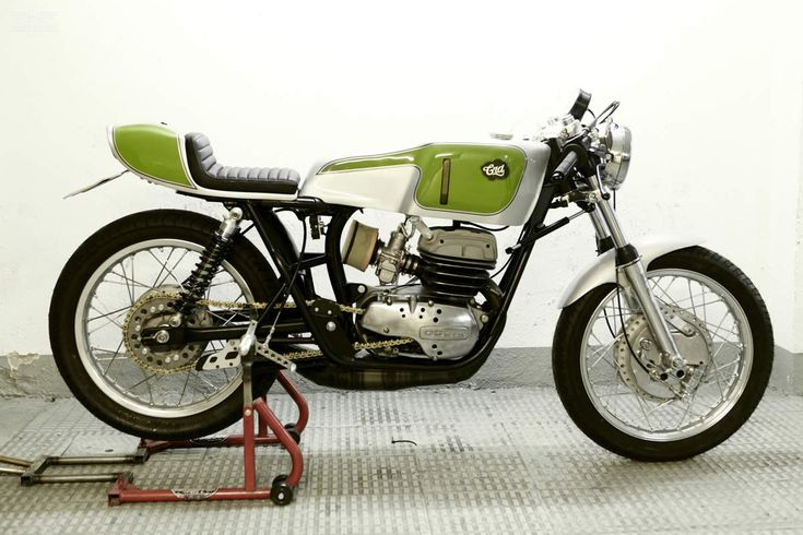 Ossa Copa by Cafe Racer Dreams- via Moto Rivista > ..: farken luv this and that green is fresh :..