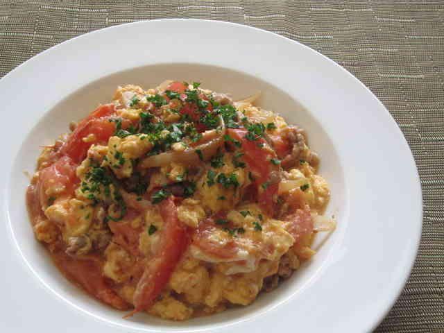 トマト・豚肉・卵のオイスターマヨ炒めの画像