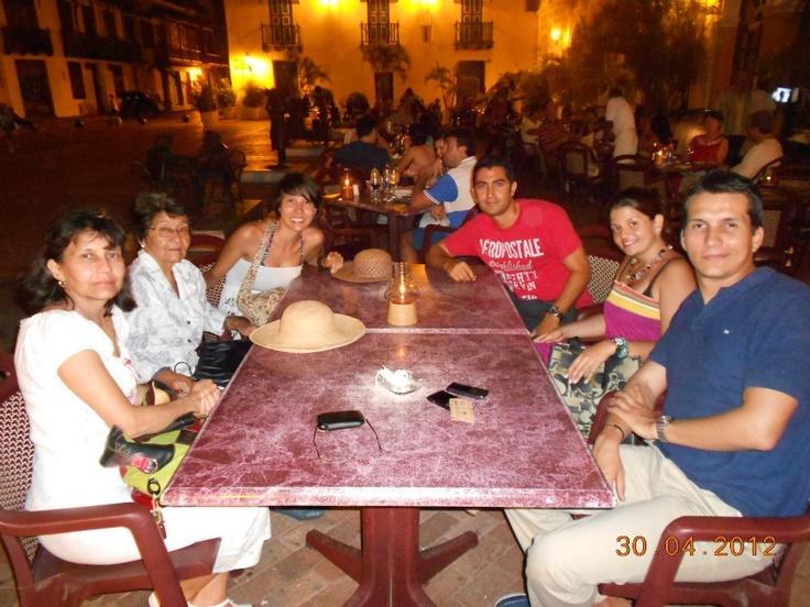 With Gaviria family (Cali - Colombia) @ Restaurante San Pedro